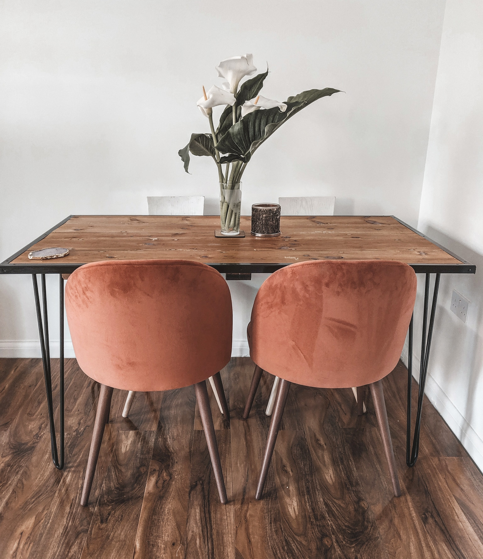 new house and mid century chairs
