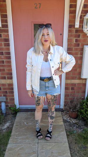 white denim jacket how to wear